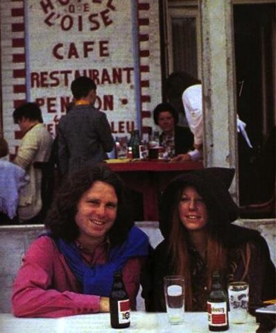 Jim Morrison és Pamela Courson (Fotó: Alain Ronay)