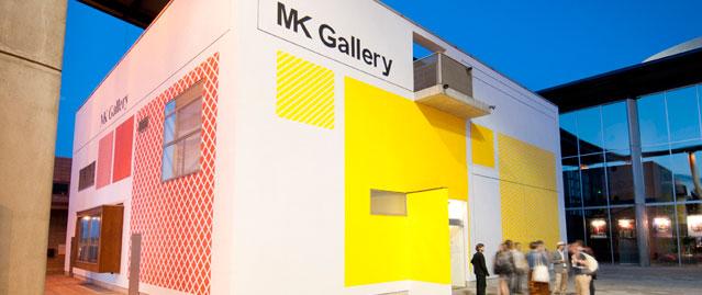 A megújuló külsejű Milton Keynes Galéria: itt rejtették el a csekket