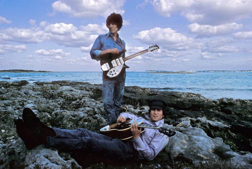 George Harrison és John Lennon (Fotó: Henry Grossman)