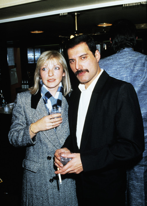 Mary Austin és Freddie Mercury