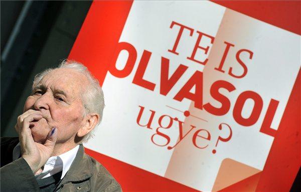 Kányádi Sándor Kossuth-díjas költő a Te is olvasol ugye? díjátadóján (MTI Fotó: Máthé Zoltán)