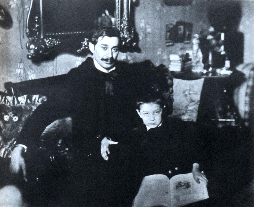 Krúdy Gyula 1906-ban első fiával, Gyulával