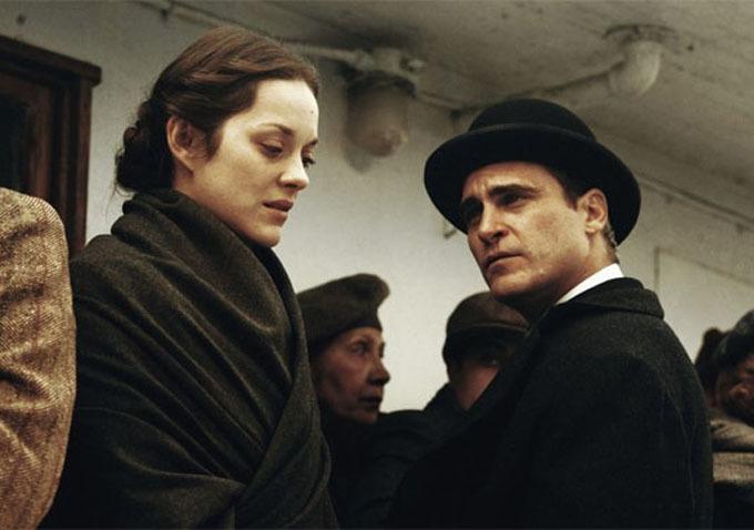 Marion Cotillard és Joaquin Phoenix (Fotó: blogs.indiewire.com)