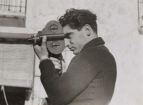 Robert Capa (Fotó: Gerda Taro)