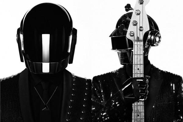 Robotsisakos szupersztárok (Fotó: dancingastronaut.com)