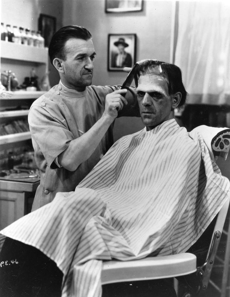 Boris Karloff brit színészt sminkelik - Frankenstein (1931)