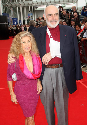Sean Connery és felesége (Fotó: virginmedia.com)