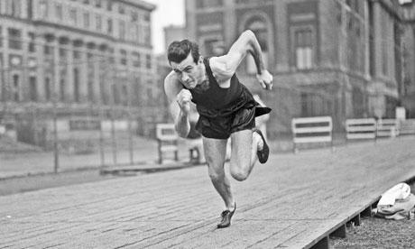 Zamperini az 1940-es Olimpiára edz