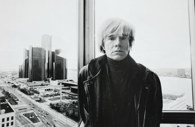 Andy Warhol figyel