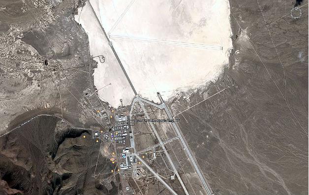 Az 51-es körzet a Google Earth műholdas képén
