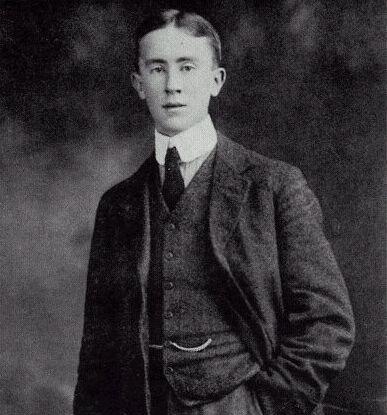 Tolkien fiatalon