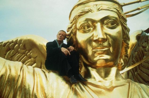 Otto Sander a Berlin felett az ég című filmben (Fotó: faz.net)