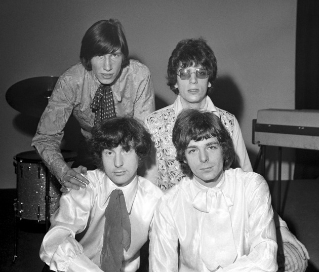 Pink Floyd (Richard Wright a jobb alsó sarokban)