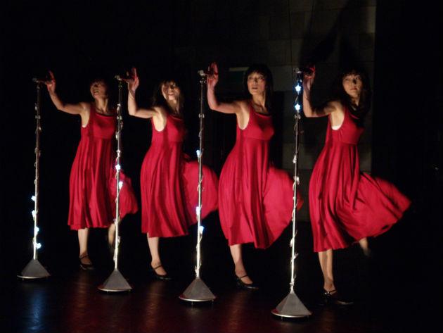 Részlet a Batik Shoku című előadásából (Fotó: trafo.hu)