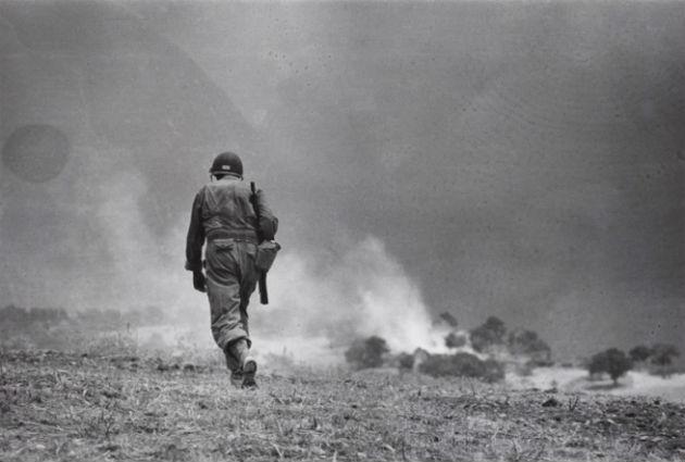 Egy amerikai katona Troinában (Szicília) 1943. augusztus 5.