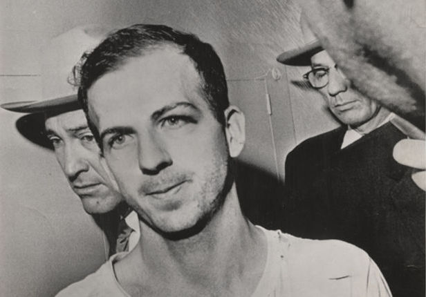 Lee Harvey Oswald, Dallas (Fotó: International Center of Photography)