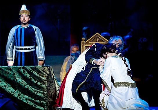 László Boldizsár (Gabriele), Vasile Chiºiu (Simon Bocccanegra) és Miksch Adrienn (Amelia) (Fotó: Kállai-Tóth Anett)