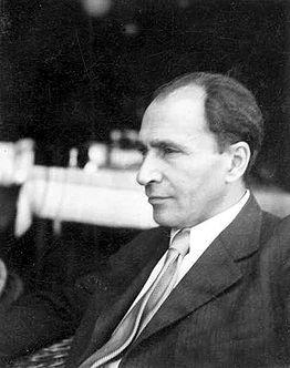 Déry Tibor 1930 körül (Fotó: hu.wikipedia.org)