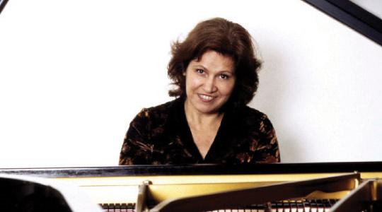 Cristina Ortiz (fotó:bruceduffie.com)