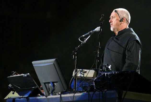Peter Gabriel koncertet ad a Budapest Sportarénában 2004-ben. (Fotó: Hirado.hu/MTI Fotó: Nándorfi Máté)