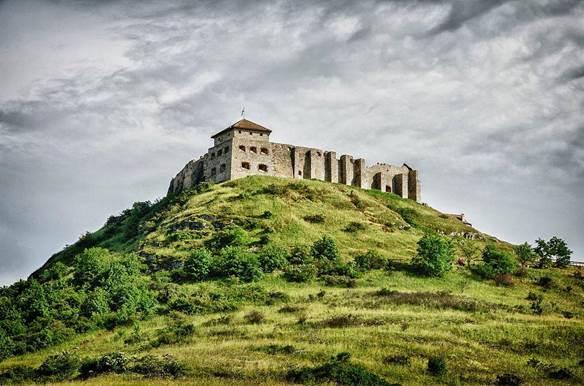 A sümegi vár lankái (Szerző: Kontár Csaba Attila, forrás: Wikimédia Commons)