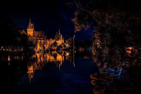 Vajdahunyad vára, Budapest (Szerző: Belaballo,forrás: Wikimédia Commons)
