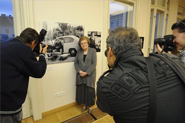 Keleti Éva a kiállításmegnyitón (MTI Fotó: Kelemen Zoltán Gergely)