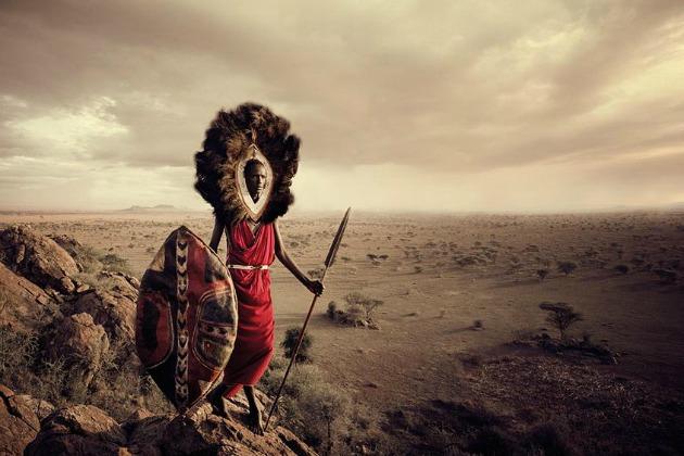 Jimmy Nelson: Maszáj harcos - Félnomádok, akik Kelet- Afrikában, Kenya déli részén és Tanzánia északi részén élnek.
