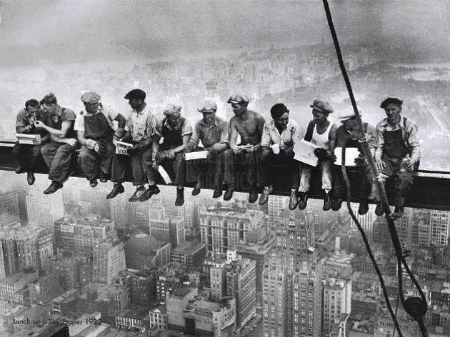 Charles C. Ebbets - Ebéd egy felhőkarcoló tetején