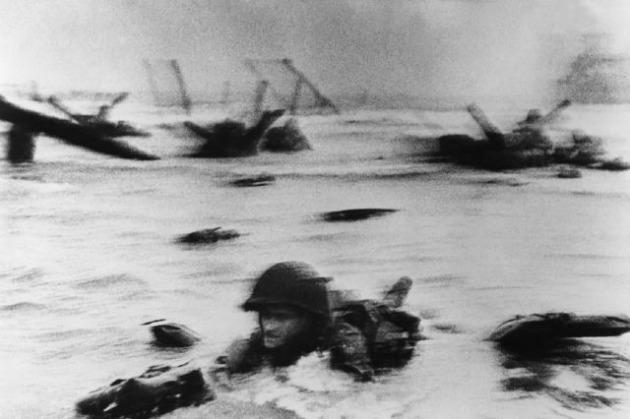 Robert Capa - D-Day