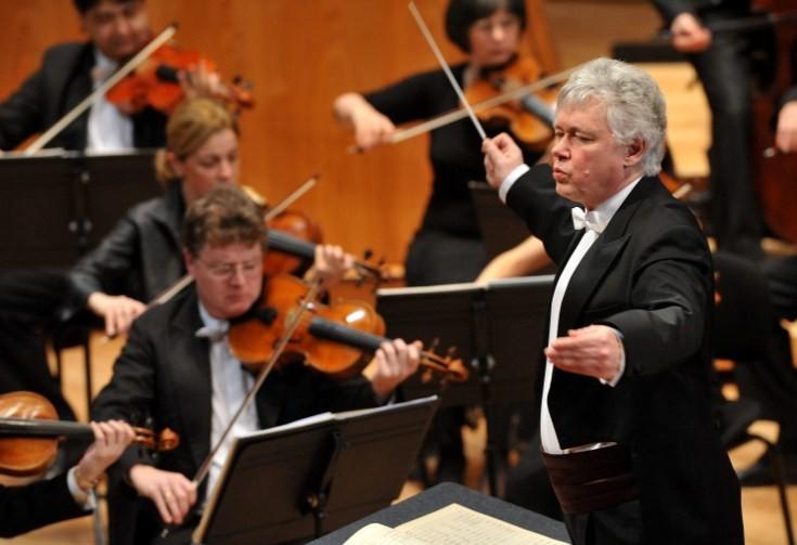 Kocsis Zoltán és a Nemzeti Filharmonikusok (MTI Fotó: Soós Lajos)