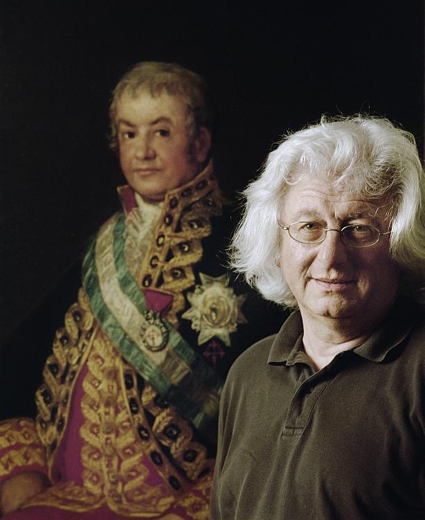 Esterházy a Goya-festmény mellett (Fotó: Helmut Wimmer)