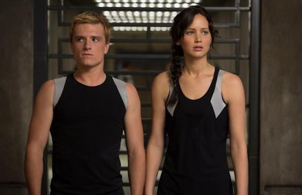 Josh Hutcherson és Jennifer Lawrence a Futótűzben (Fotó: thewrap.com)