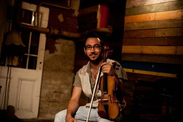 Ujj Zsombor a hegedűn (fotó: Szöllősi Mátyás)