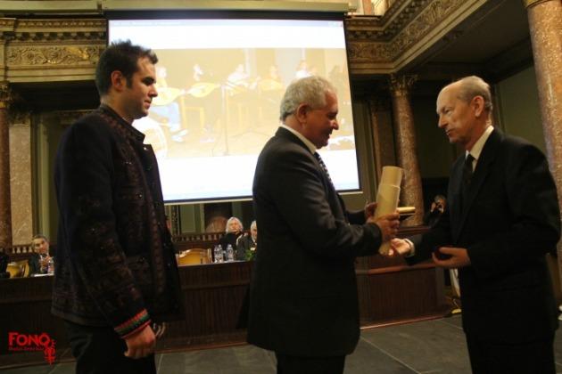 A díjat Lukács József, a Fonó alapítója vette át (Fotó: fono.hu)