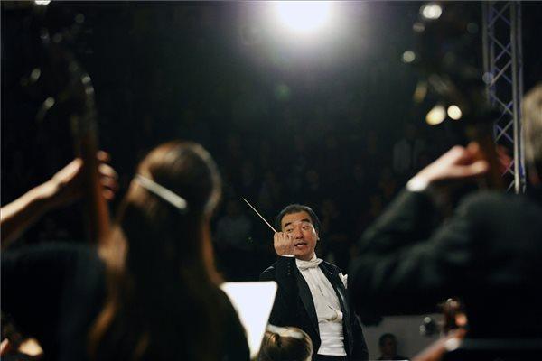 Izaki Maszahiro japán karmester és zenei rendező (MTI Fotó: Bugány János)