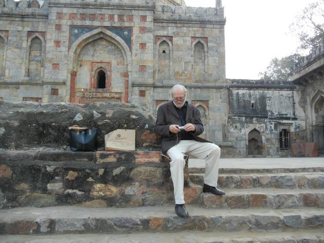 Krasznahorkai Delhiben (Fotó: litera.hu)