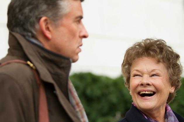 Steve Coogan és Judi Dench a Philomenában