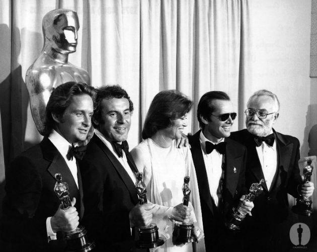 Michael Douglas, Milos Forman, Louise Fletcher, Jack Nicholson és Saul Zaents az Oscar-díj átadón (Fotó: releasedonkey.com)