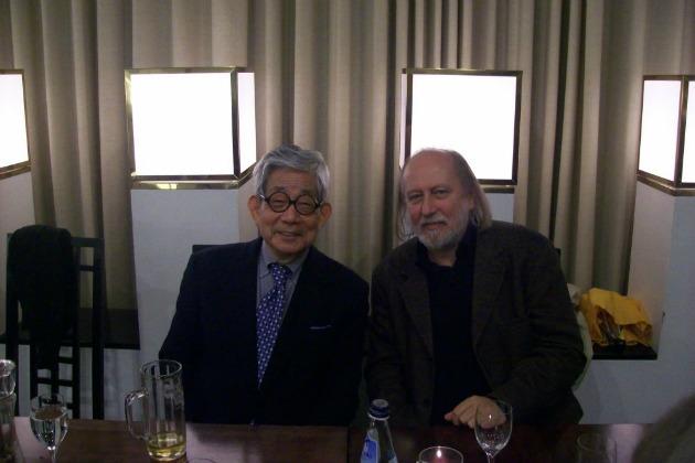 Kenzaburo Oe Nobel-díjas íróval Berlinben, 2008 októberében (Forrás: pim.hu)