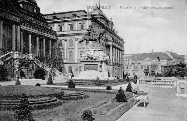 Budavári Palota királyi szárny (Fotó: mek.oszk.hu)