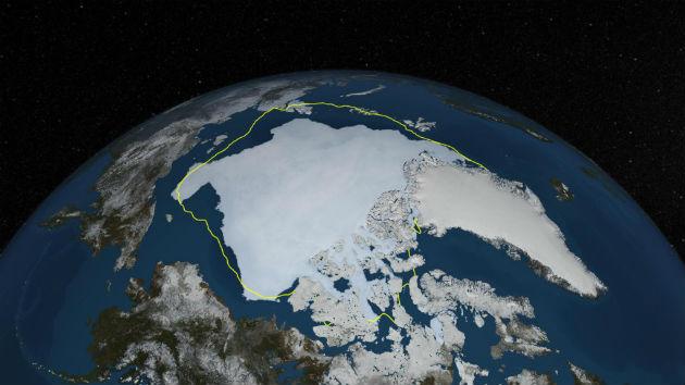 Az Arktisz tengerijég-takarója 2013. szeptember 12-én. A sárga vonal a 30 éves átlagos minimális kiterjedést jelöli. (Fotó: Hirado.hu/NASA Goddard's Scientific Visualization Studio/Cindy Starr