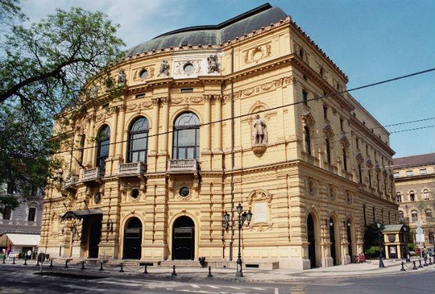 Szegedi Nemzeti Színház, az Armel Operafesztivál egykori helyszíne (Fotó: keptar.oszk.hu)