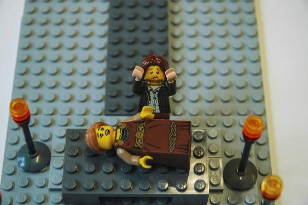 Júlia halála - Rómeó és Júlia (Forrás: waterstones.com)
