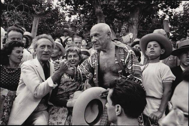 Jean Cocteau & Pablo Picasso egy bikaviadalon 1957-ben