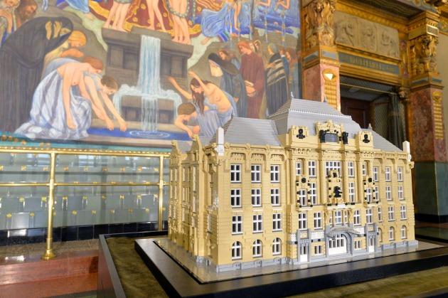 Az épület LEGO kockákból felépített makettje a Zeneakadémián (MTI Fotó: Máthé Zoltán)