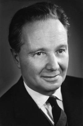 Robert Merle 1964-ben (Fotó: en.wikipedia.org)