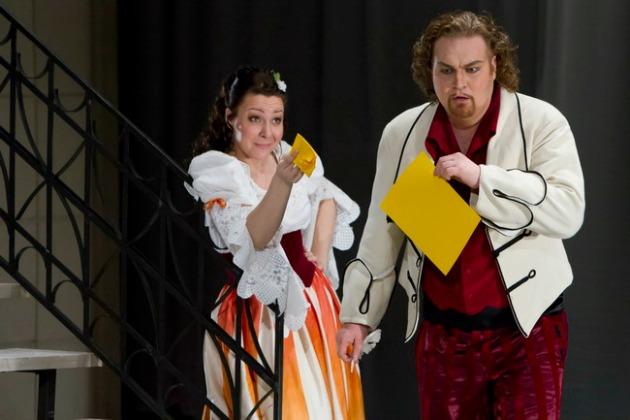 Rosina és Figaro: Mester Viktória és Molnár Levente A sevillai borbélyban (fotó: Csillag Pál)