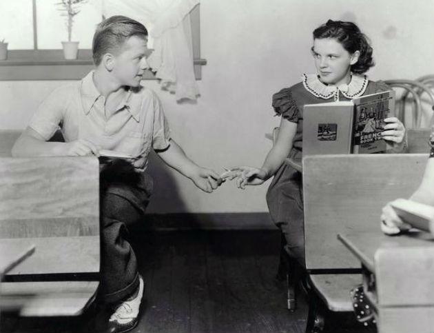 Judy Garlanddal a Tizenhatévesek című filmben (1937)
