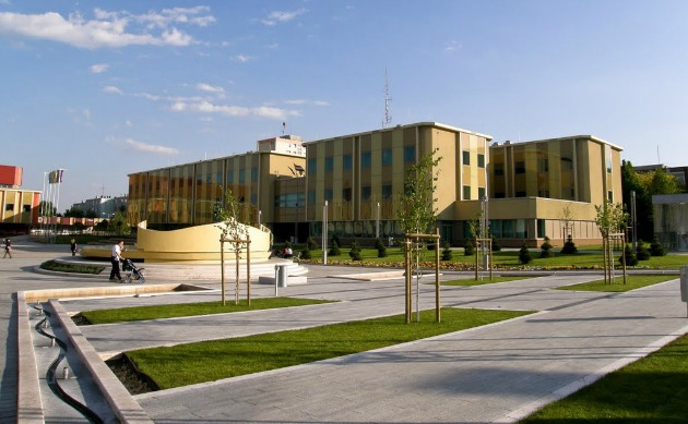 Százhalombatta főtere (Fotó: panoramio.com)